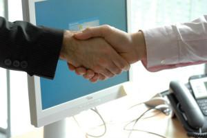 Bom negociador é convincente.