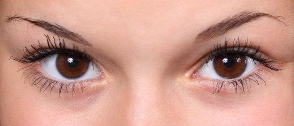 Franquia especializa em sobrancelhas